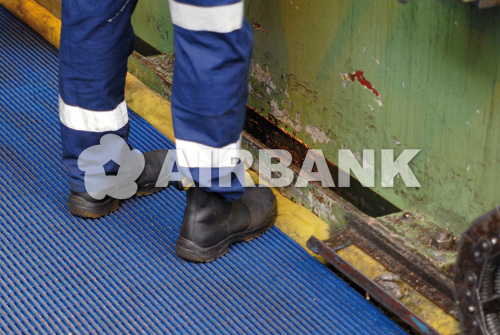 �HEAVY DUTY� FLOOR MAT RUNNER  | AIRBANK Industria Sicurezza Ambiente