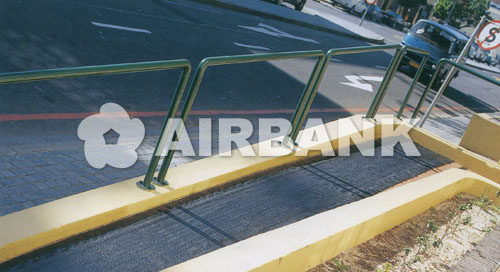 ANTI-SLIP COATING FOR METAL INDOOR/OUTDOOR SURFACES  | AIRBANK Industria Sicurezza Ambiente