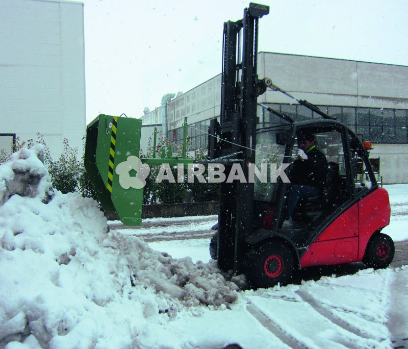 TILTING SKIP FOR REMOVAL OF SNOW, SAND AND LOOSE GOODS  | AIRBANK Industria Sicurezza Ambiente