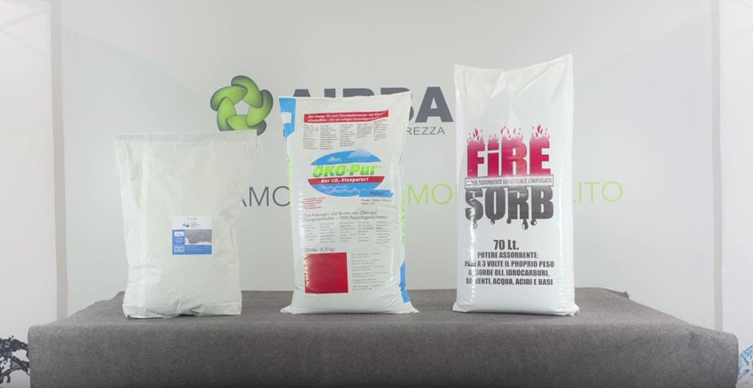 Absorbent powder for oils and solvents